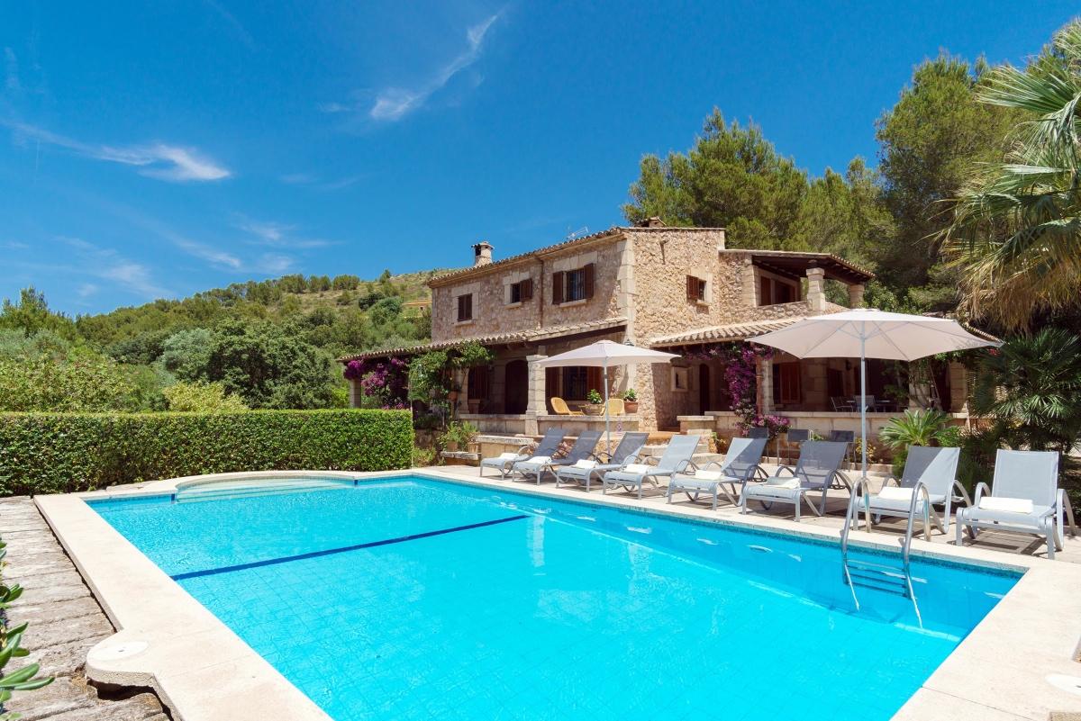 Villa can seguinot d 39 alt elegantes haus zu vermieten in for Piscina y jardin mallorca