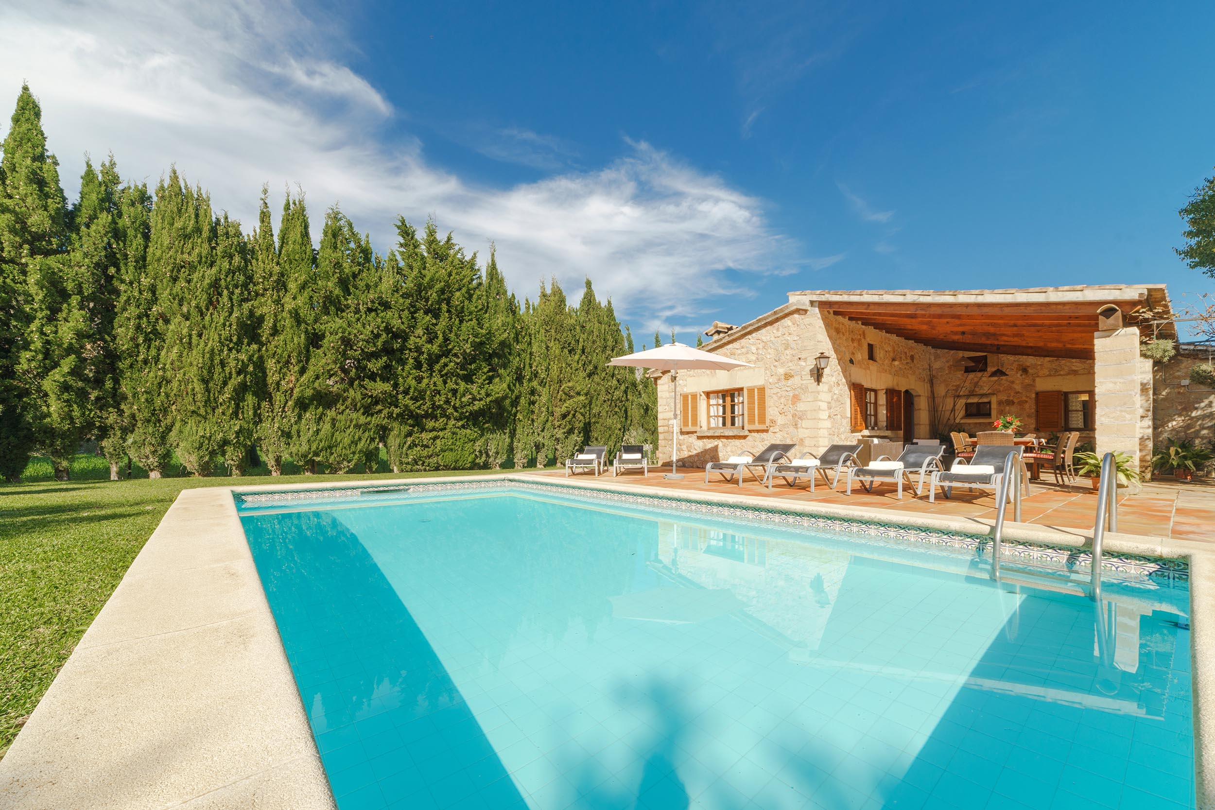 Welcome to mallorca luxury villas and for Piscina de valencia alameda